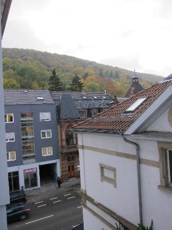 BoardingHouse Heidelberg: вид из окна на Rohrbacher Str