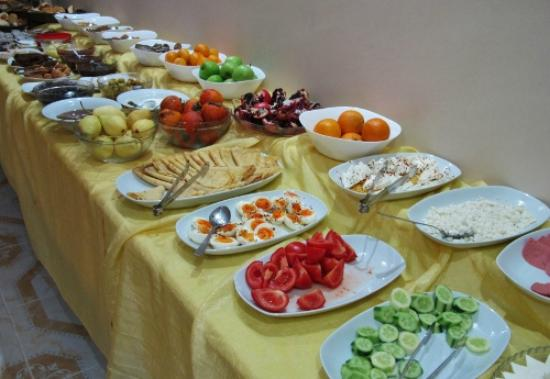 Basileus Hotel: Breakfast buffet