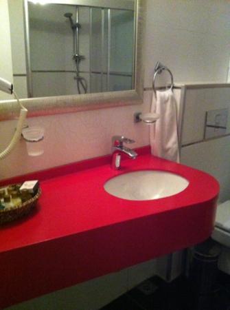 Ayasultan Otel: 洗面台