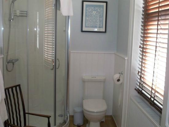 Broadstairs House: Bathroom