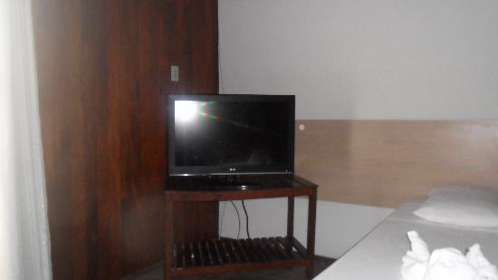 Alzira Plaza Hotel: espaçoso e bem limpo.