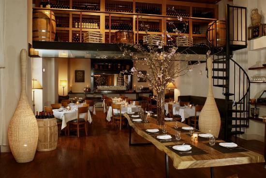 Kellari Taverna: Kellari New York wine room