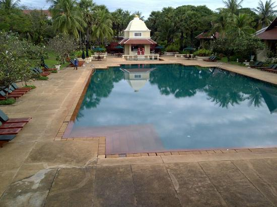 Raffles Grand Hotel d'Angkor: Great pool