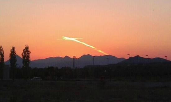 Medjugorje: una foto scattata senza aver percepito la figura in cielo....