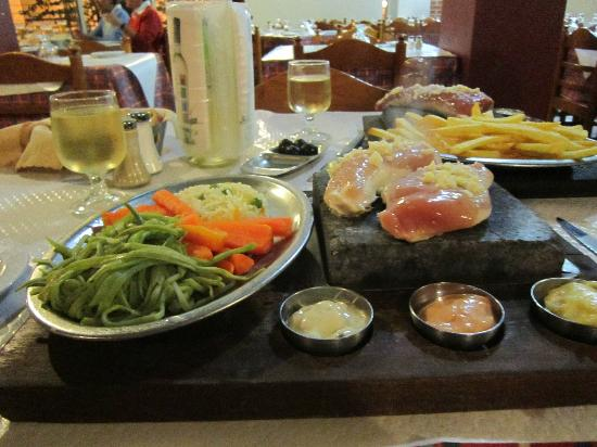 Buganvílla: Stone baked chicken