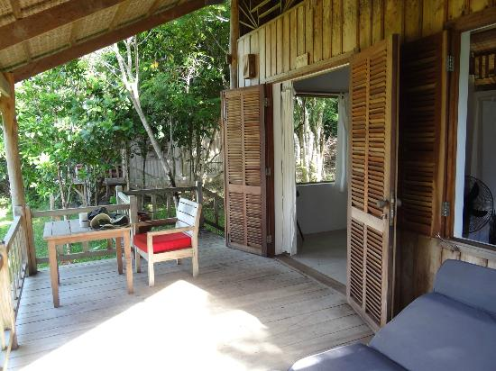 Mango Bay Resort: Veranda of Plantation bungalow