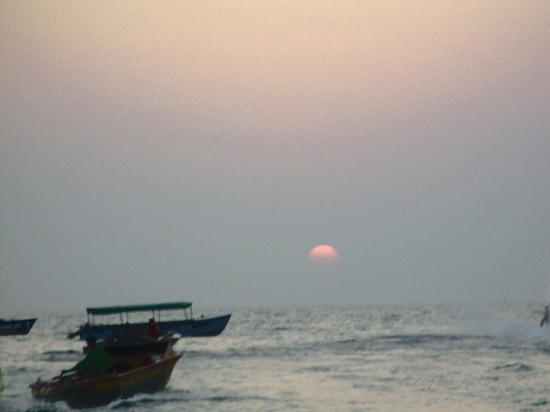 Baga Beach: Sunset at baga