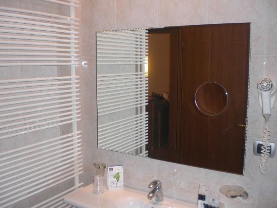 Best Western Hotel Master: dettaglio bagno