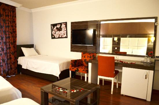 Hotel La Piano: Deluxe Quadruple Room
