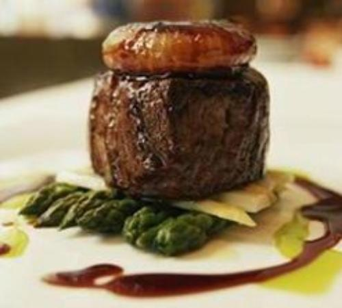Venus Restaurant: beef fillet with red wine jus