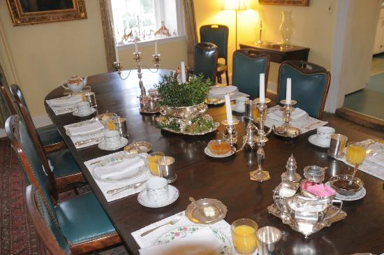 Welbourne: Breakfast in the Dining Room