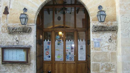 Sineu, Spain: entrada restaurante