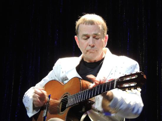 Jim Stafford Theatre : Some more pickin'
