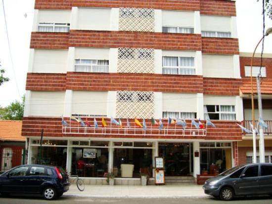 Hotel Lugra: Vista del frente