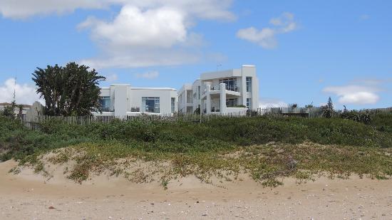 Diaz 15: Aussenansicht vom Strand