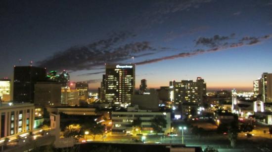 هوليداي إن إكسبريس سان دييجو داونتاون: 3rd floor city view at night HIE san diego 
