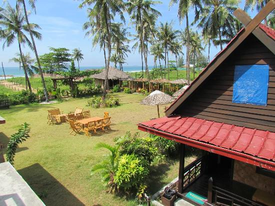 Efr seconda casa beach resort ngwe saung myanmar for Seconda casa