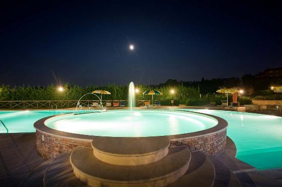 Valle del Metauro Country House: piscina