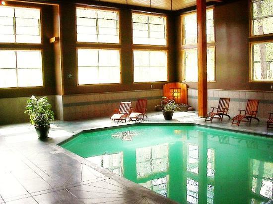 Marble Inn Resort: Indoor pool
