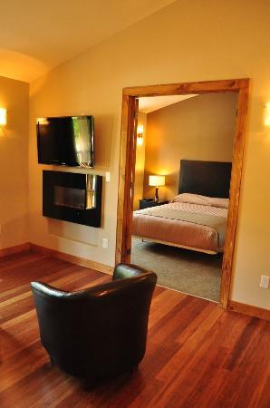 Marble Inn Resort: A beautiful & bright 1-bedroom condominium suite!