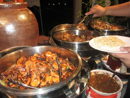 Teluk Dalam Resort: A variety to choose from the BBQ