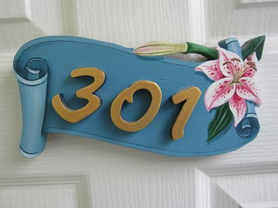 Seaside Guesthouse: A room number with style