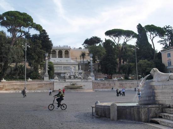 Okapi Rooms: Piazza del Popolo um die Ecke