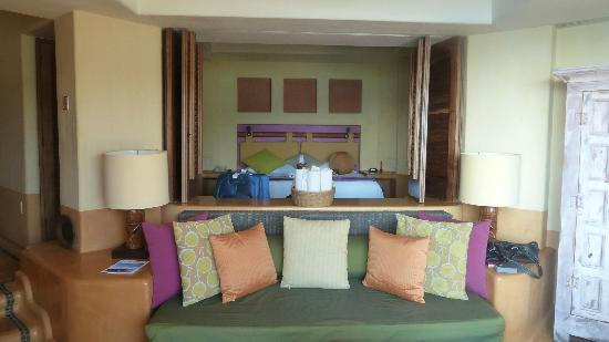 Embarc Zihuatanejo: looking into the room from the deck