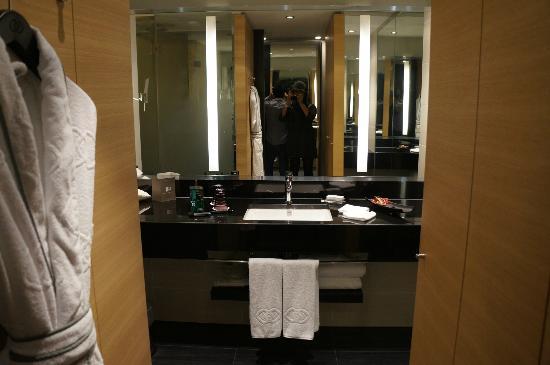 Sofitel Luxembourg Le Grand Ducal : La salle de bain