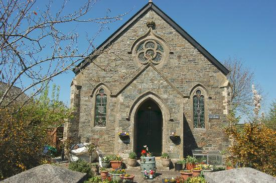 Lydford Castle & Saxon Town: Little chapel in the village