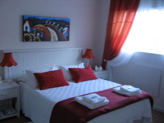 Montagu 4 Seasons : Main Bedroom unit 2