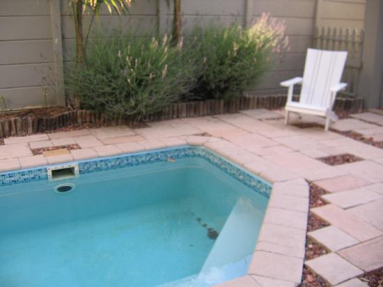 Montagu 4 Seasons : Solar heated splash pool