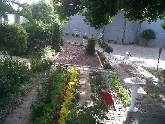 Montagu 4 Seasons : Garden at Montagu4Seasons