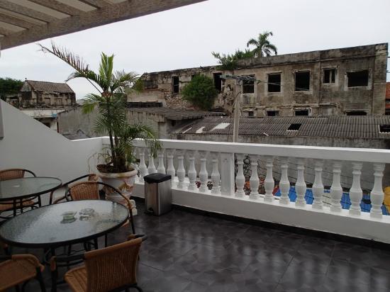 Akel House Hostel: terrace
