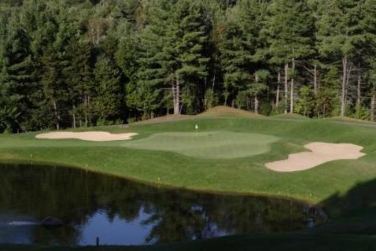 Green Mountain National Golf Course: Hole #2 Green