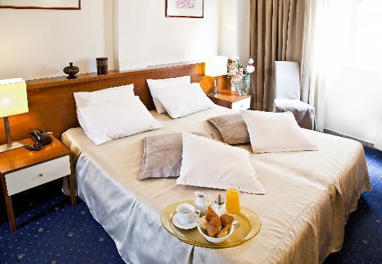 Plaza Hotel : DOUBLE ROOM
