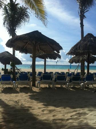 Sandos Playacar Beach Resort: Adults only beach section