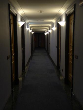 Hotel Londra & Cargill: Corridor