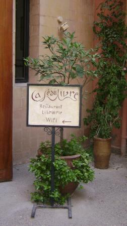 Cafe du Livre : Welcome!!!