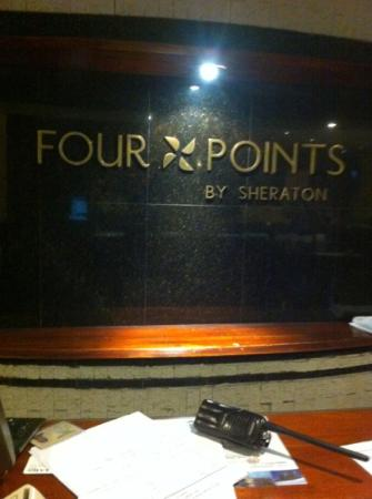 Four Points by Sheraton Medellin: Lobby