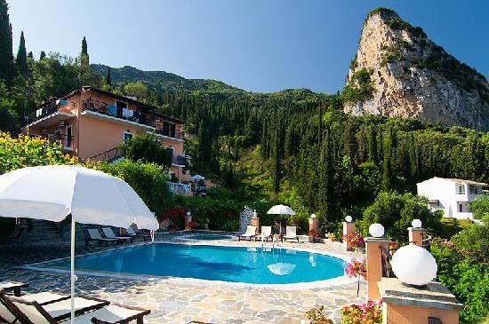 Dina's Paradise Hotel & Apartments: 1