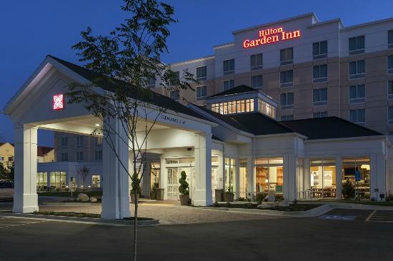 Hilton Garden Inn Salt Lake City Airport : Exterior