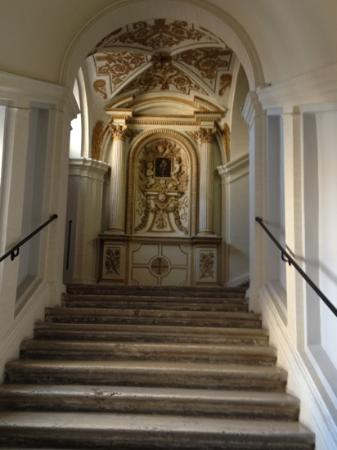 VOI Donna Camilla Savelli Hotel: Scala interna