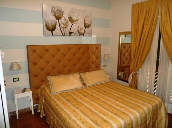 Hotel Villa Steno: Comfy Bedrrom