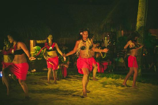 InterContinental Bora Bora Le Moana Resort: local show