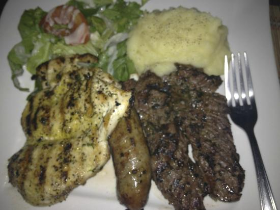 Galeria Steakhouse: Mixed Meat Platter (chicken, chorizo, steak)