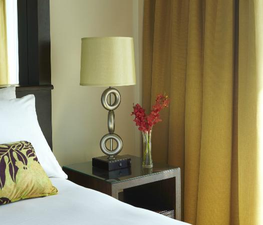 Park Shore Waikiki: Guest Room