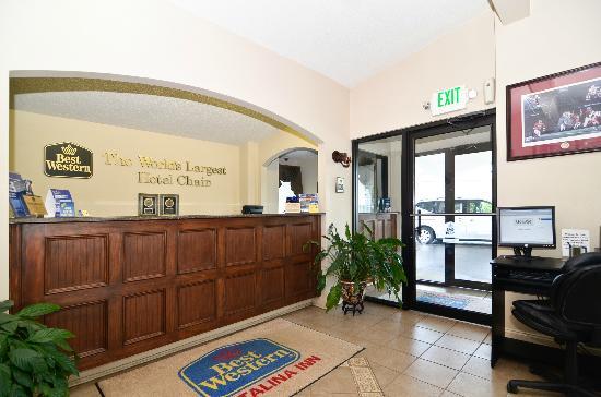 Best Western Catalina Inn: Front Desk