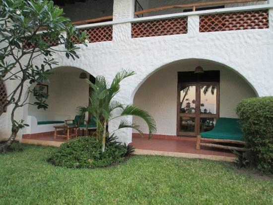 Pinewood Beach Resort & Spa: Ground floor room/suite