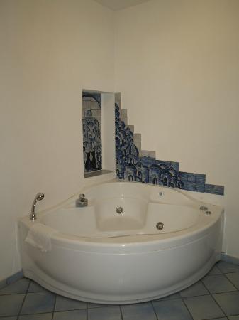 Positano Art Hotel Pasitea: Nice Jacuzzi